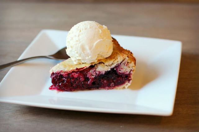 berry pie thanksgiving