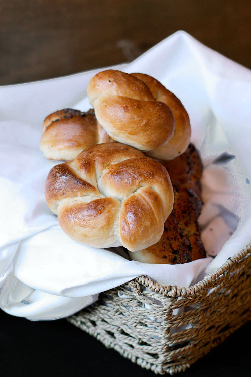 Knotted yeast roll recipe.jpg.jpg
