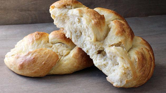 easy no-knead bread recipe from scratch.jpg