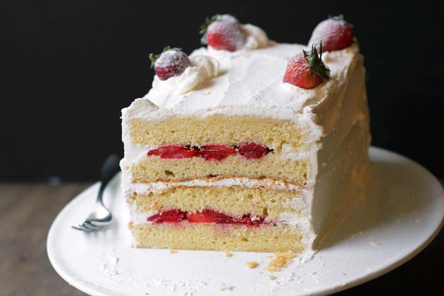 Strawberry Sponge Cake.jpg